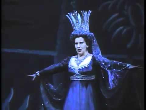 夜の女王のアリア (魔笛) 復しゅうの心は地獄のように胸に燃え ルチアーナ・ゼッラ  Der Hölle Rache - YouTube