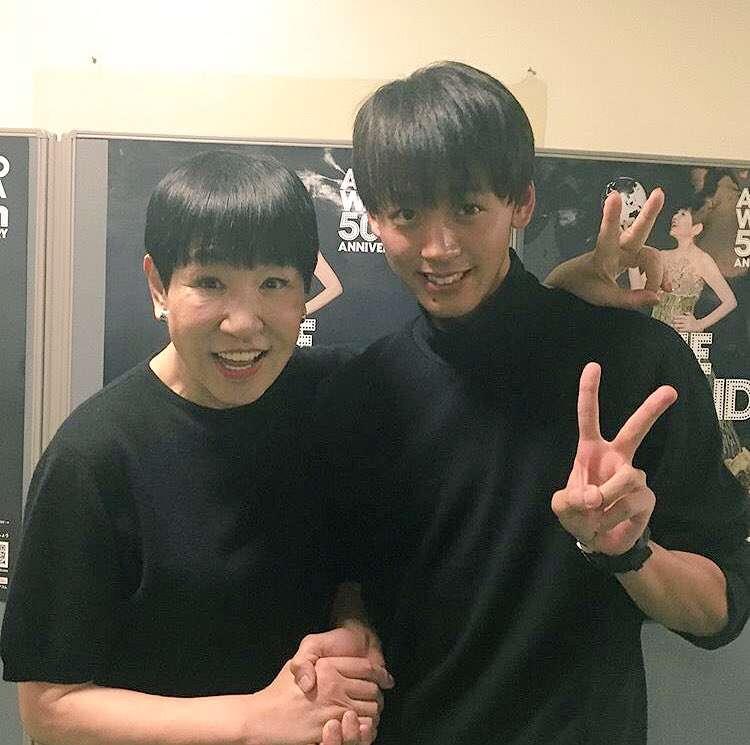 和田アキ子、竹内涼真と「密着」ツーショット ファンからは「なんか嬉しそう」とのツッコミ