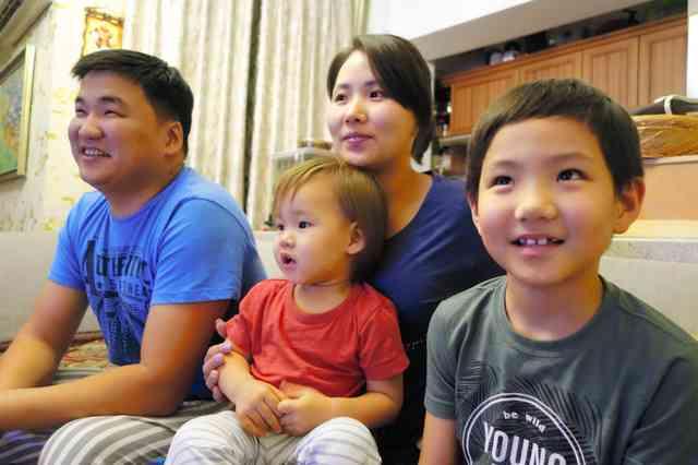 「モンゴル人疎まれた」日馬富士の母国に日本不信:朝日新聞デジタル