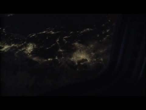 宇宙ステーションから見る台湾と日本の夜景 - YouTube