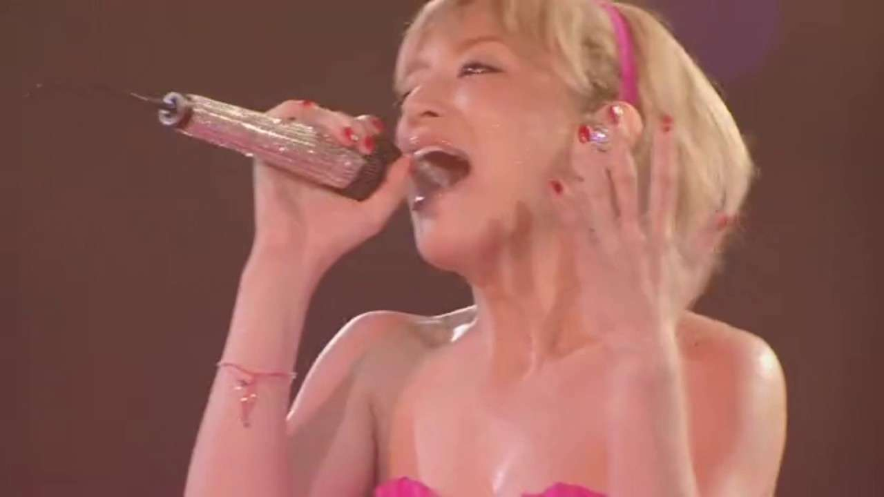 Ayumi Hamasaki 濱崎步 - Vogue ~ Far Away ~ Seasons. Live. Power Of Music 2011 A. Limited Edition. 15.HD - YouTube