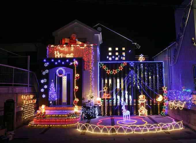 クリスマスイルミネーションは近所迷惑?