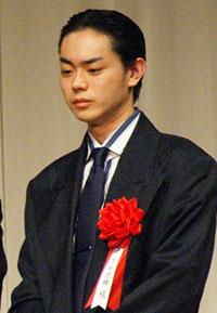 菅田将暉の歌唱力に「微妙」な評価 所属事務所の戦略に疑問も - ライブドアニュース