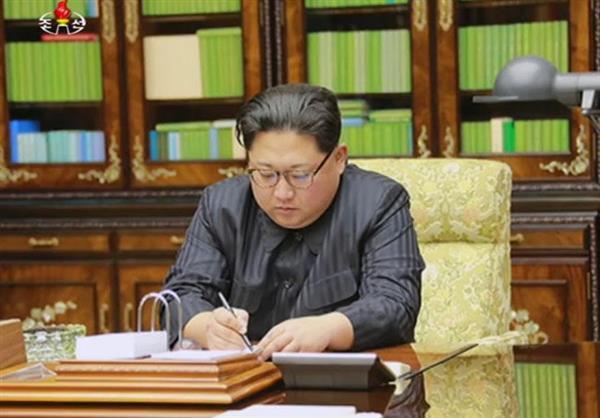 【北ミサイル】北朝鮮、新型ICBM発射 青森沖EEZ落下 高度4500キロ「火星15」 北「米本土攻撃できる」主張(1/2ページ) - 産経ニュース