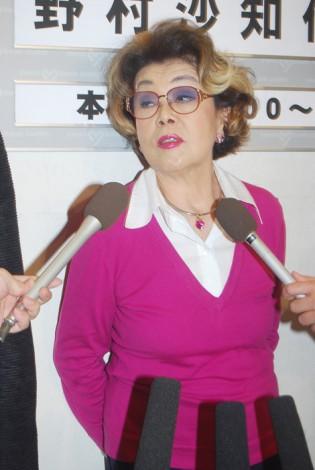 野村沙知代さん急死 因縁の相手・浅香光代「手を合わせるしかない」