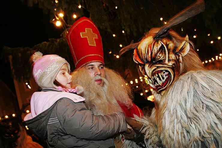 ヨーロッパ版なまはげ祭り『クランプス』が怖い! 悪い子供と女性に罰を与える悪魔 | 世界を旅するガイドブック Photrip フォトリップ