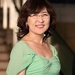 自民党・稲田朋美氏が防衛相時代の服装を反省「人がどう見てるかまで見えなかった」