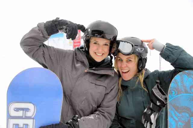 スキーやスノボにヘルメットを 日本「ださい」、欧米は:朝日新聞デジタル