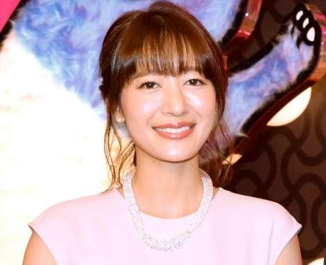 吉田明世アナ、涙で『ビビット』産休入り報告「大好きな皆さんの顔を見ていたら…」 | ORICON NEWS