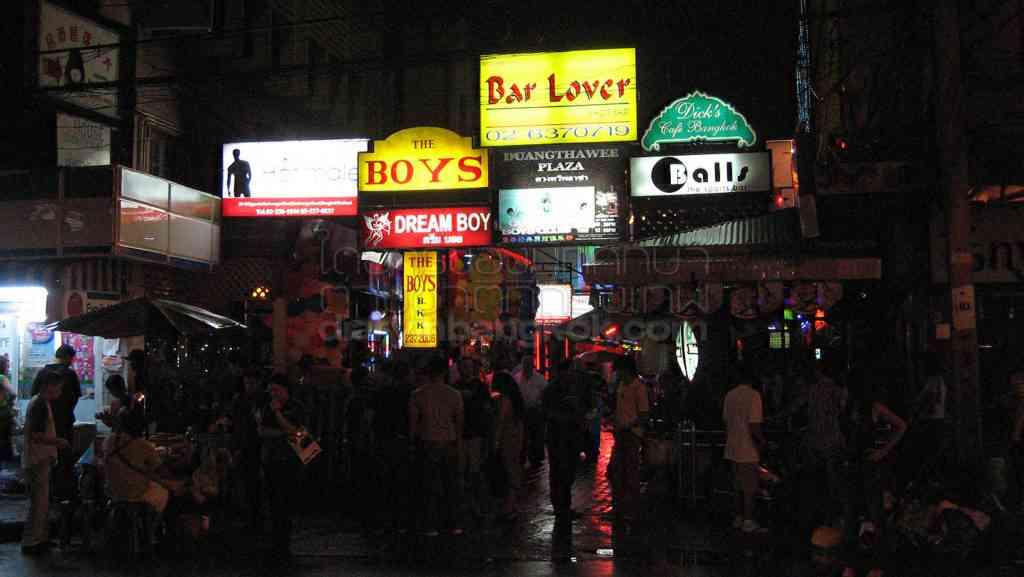 日本人女性観光客に人気の Go Go Boys | バンコク留学生日記
