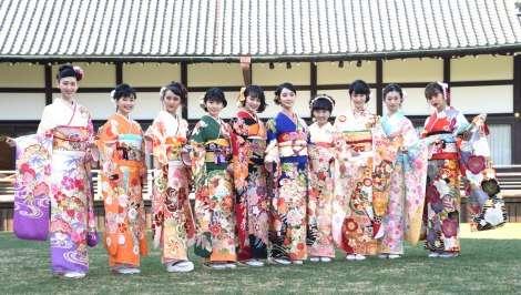 オスカー美女10人が恒例晴れ着姿披露 剛力彩芽「気づいたら一番上のお姉ちゃん」