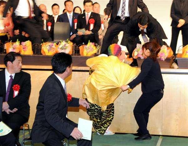 荒れる「成人式」大幅見直し 厳戒態勢で混乱防げるか 茨城県つくば市(1/2ページ) - 産経ニュース