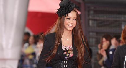 安室奈美恵の「NHK紅白歌合戦」出場に小木博明が指摘「格が下がった」 - ライブドアニュース