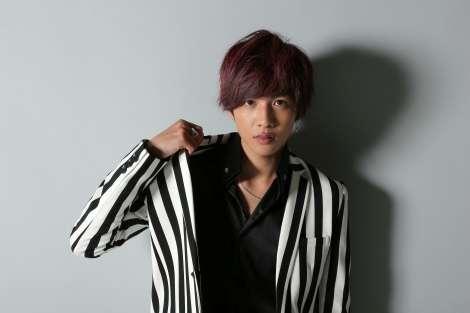志尊淳、赤髪でホスト役に初挑戦「試行錯誤しながらいい作品を」
