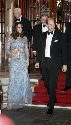 キャサリン妃、ドレスが『アナ雪』に激似と大好評!