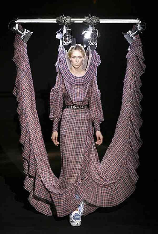 目を疑った、ファッションブランドの写真