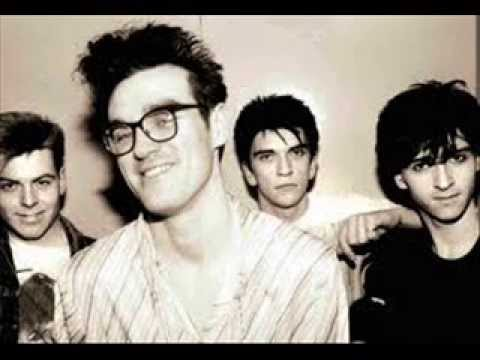 The Smiths How Soon Is Now? - YouTube