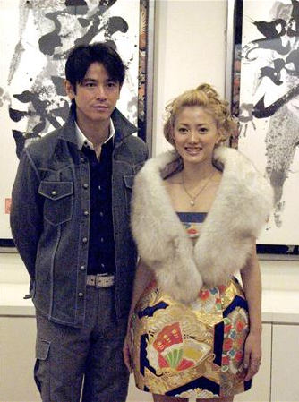 西村和彦、書家・國重友美さんと一昨年冬に離婚していた…遠距離生活ですれ違い