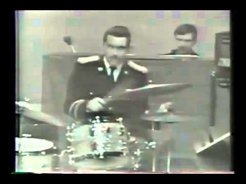 Steve Gadd: Cissy Strut (U.S. Army Field Band, around 1970) - YouTube