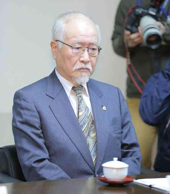 日馬富士は「引退勧告」相当、白鵬、鶴竜は「厳重注意」…横綱審議委員会臨時会合