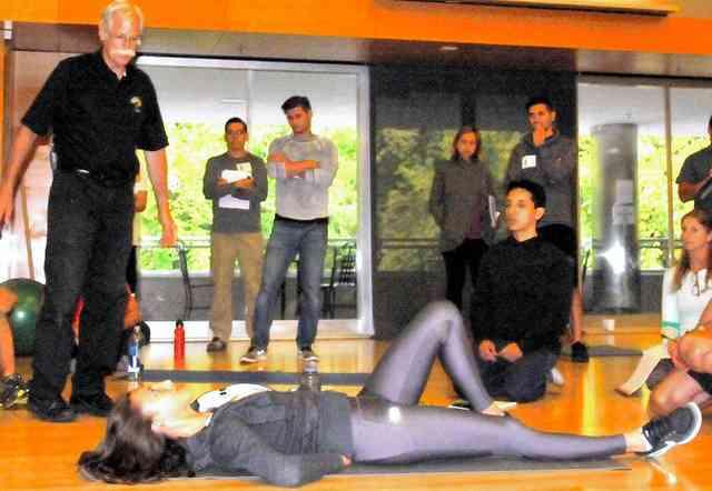 「腹筋運動」は腰痛の原因 バスケ協会「推奨できない」 (朝日新聞デジタル) - Yahoo!ニュース