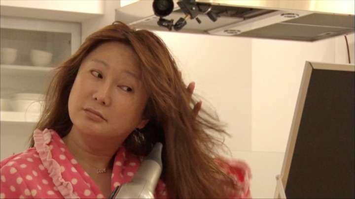 はるな愛:45歳すっぴん披露 失恋ストレスで20キロ増おっさん化心配の声