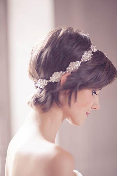 ショートヘアの花嫁