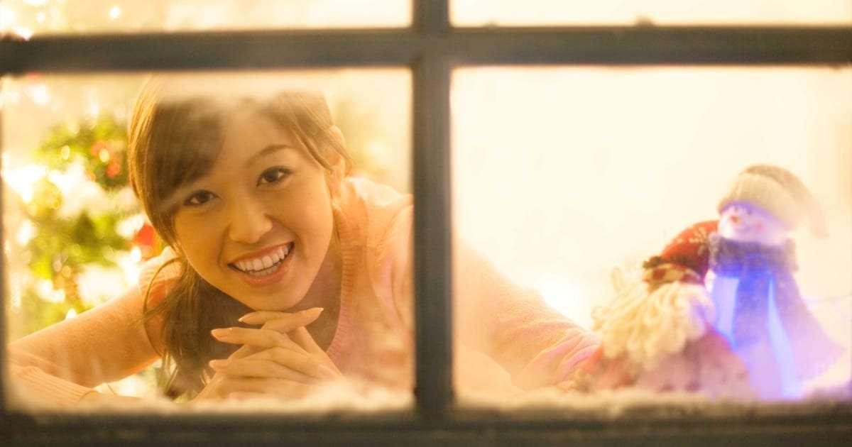 クリぼっちでも寂しくない! 「クリスマスは恋人と…」は昔の話? – しらべぇ | 気になるアレを大調査ニュース!