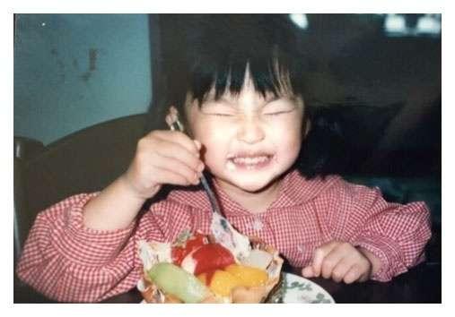 家入レオ、可愛すぎる幼少期の写真公開 溢れる思いにファン感動「涙出ました」