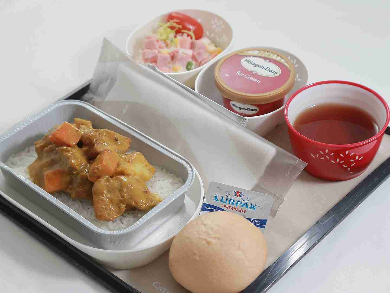海外に行くとき機内食が楽しみな人!