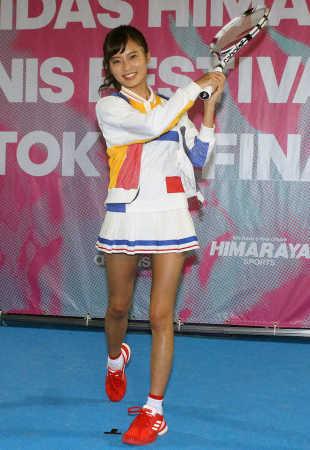小島瑠璃子、2018年は「海外で体を張るロケをしたい」
