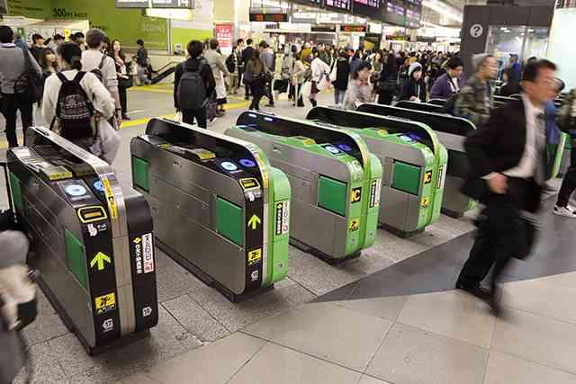 あえて電車で女性の隣に座る理由…声優・中田譲治の持論に反響 - ライブドアニュース