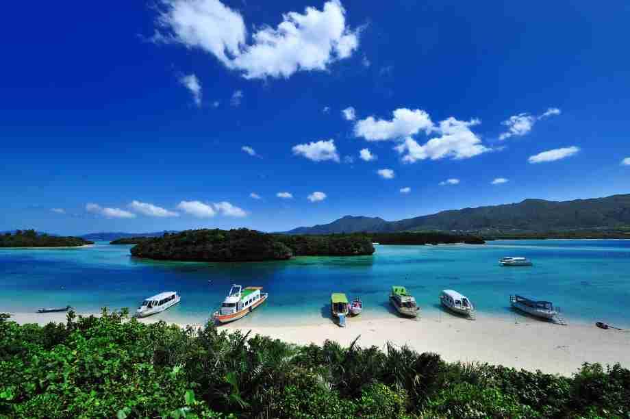 接続水域に中国軍艦 不安抱く石垣島の地元漁師「米軍反対は理解不能」     Share News Japan