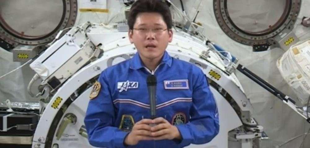 宇宙からフェイクニュース?「身長9cm伸びた」金井飛行士が「2cm」と訂正 | ホウドウキョク