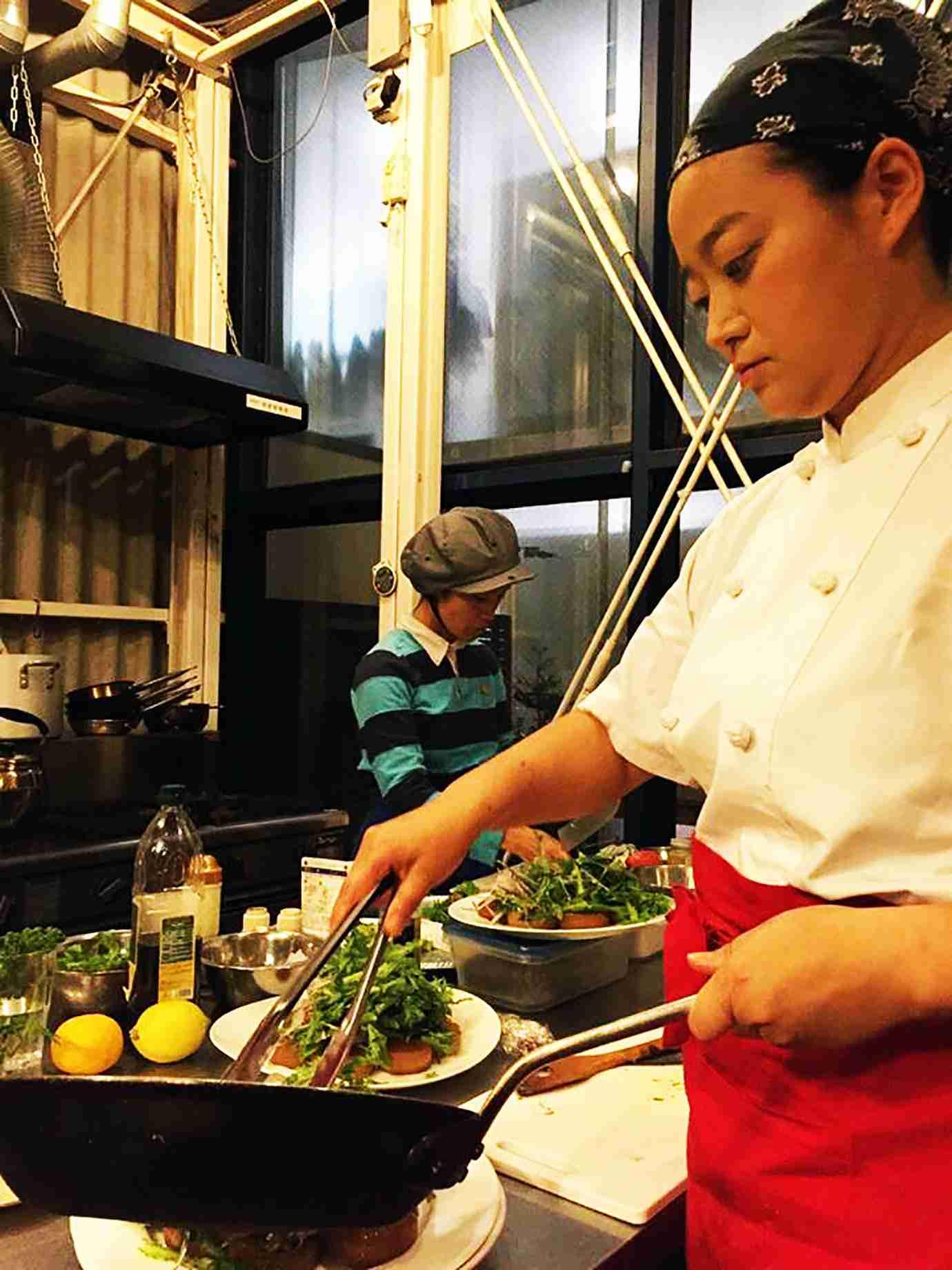 【革命】代金を客が決める鬼丸食堂オープン / 支払いはお金以外でもOK「お手伝いでもパフォーマンスでも可能」 | バズプラスニュース Buzz+