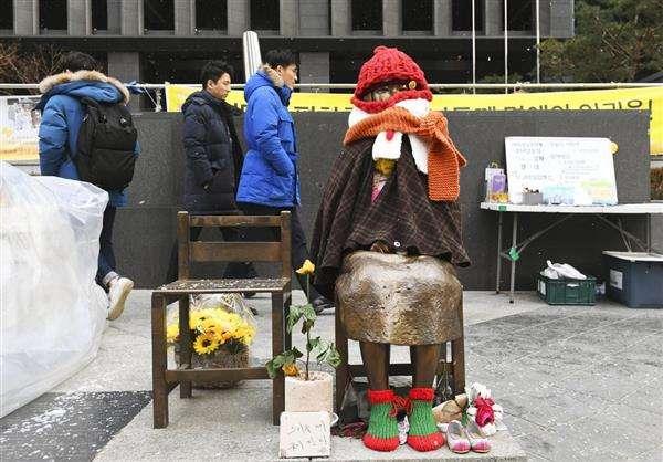 【韓国の日韓合意新方針】条約違反の慰安婦像に触れず 合意の根本を否定(1/2ページ) - 産経ニュース