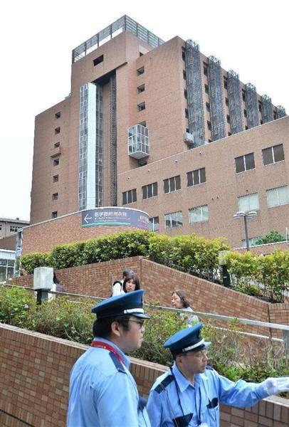 【衝撃事件の核心】白衣の下に牛刀…日本医科大生が東京医科歯科大病院の医師を刺した白昼の戦慄 狂気に走らせたのは「女性トラブル」(1/3ページ) - 産経ニュース