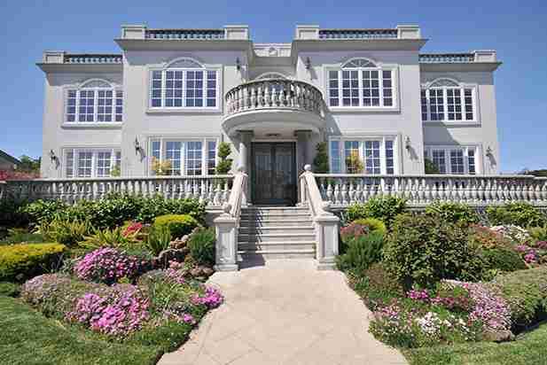 ただの大豪邸ではない!ハイテクで個性的なビルゲイツ宅の魅力12個 | お金の学校