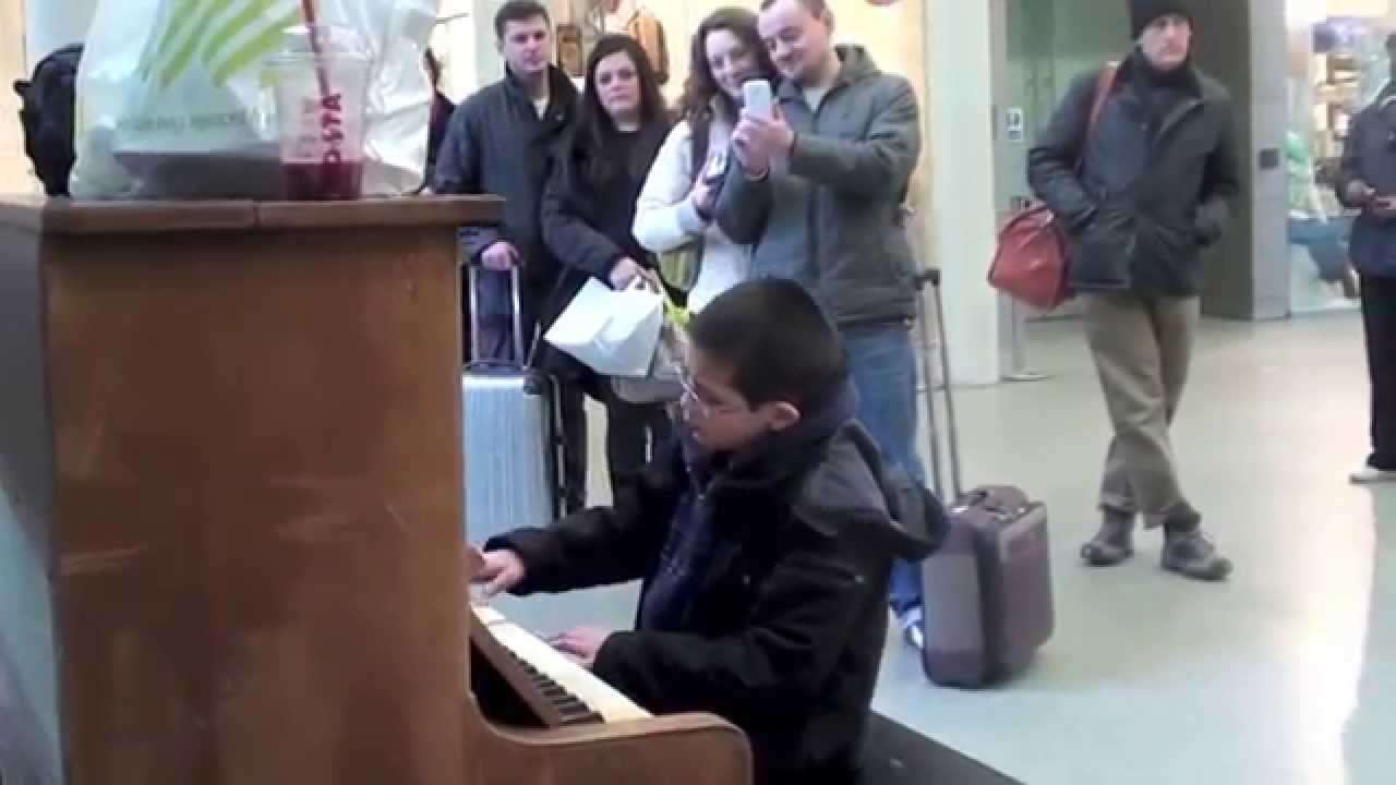 Street piano Kings Cross. Waldstein Piano Sonata No.21 1st movement by Beethoven, Play Me I'm Yours. - YouTube