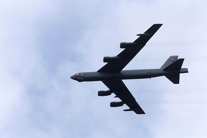 北朝鮮にらみ米空軍の戦略爆撃機3種がグアムに集結 (ニューズウィーク日本版) - Yahoo!ニュース