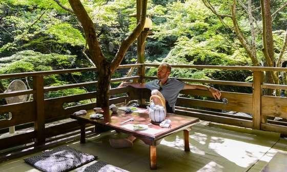 すらるど - 海外の反応 : 「また日本に行くつもりだ」英国人俳優マーク・ゲイティスの日本旅行記とそれに対する海外の反応