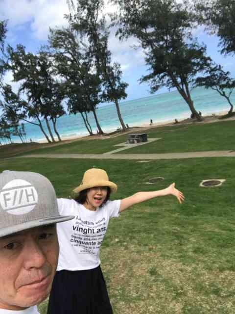 ヒロミ&松本伊代、「初めて」思い出のハワイで2人きりの正月 ラブラブ写真も