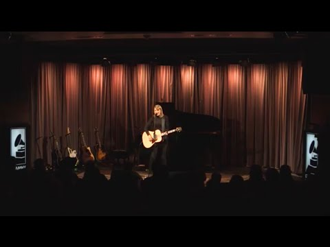 """Taylor performs """"Blank Space"""" at The GRAMMY Museum - YouTube"""