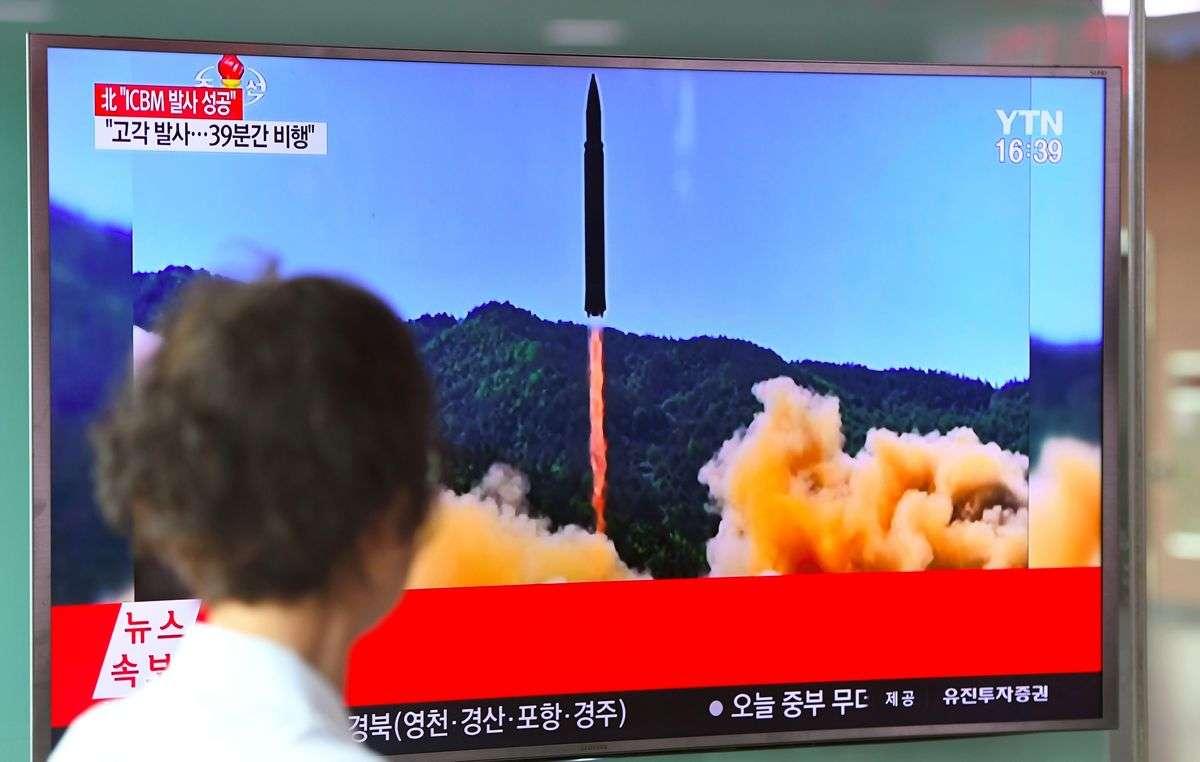 北朝鮮ミサイルを発射前に無力化、トランプ政権が準備 - Bloomberg