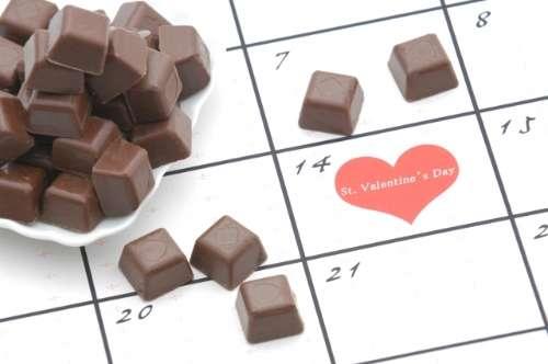職場のバレンタインデー、義理チョコ禁止に7割が賛成 あげたりお返しするのが面倒
