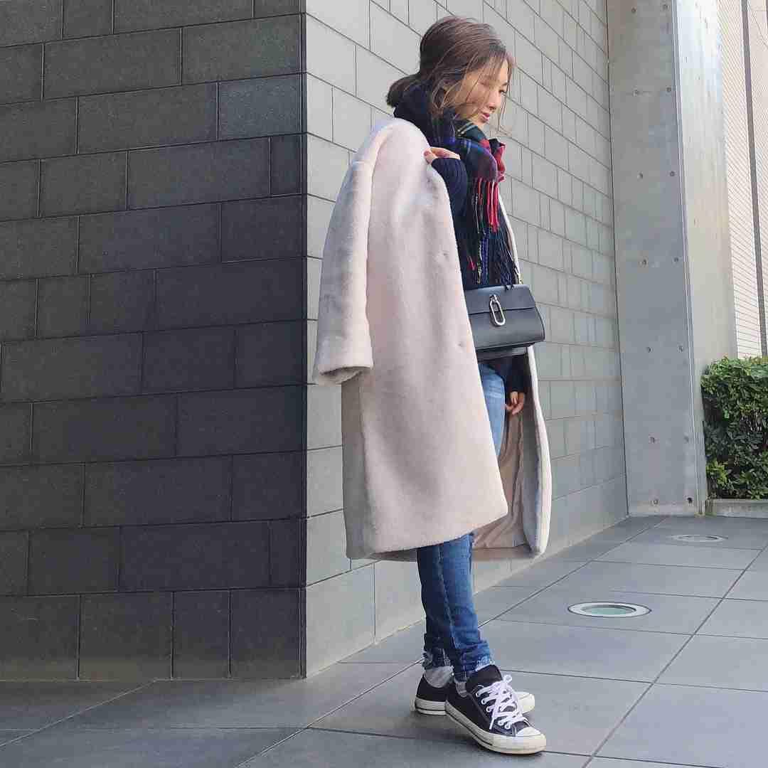 Sサイズの神インスタグラマー♡ryokoさんに学ぶ真冬の黄金バランスコーデ   -  LOCARI(ロカリ)