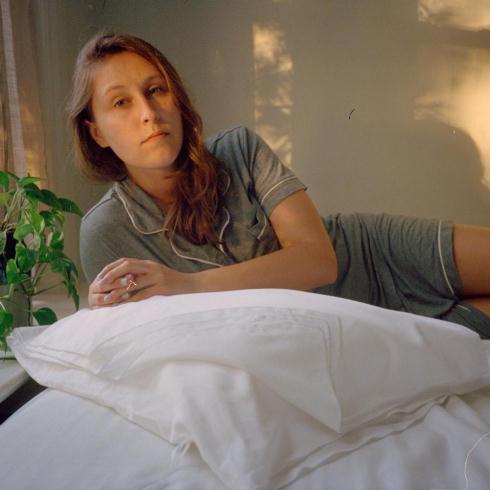 ページをめくるようにして使う枕カバー、清潔な状態で8日使えて肌トラブル対策に