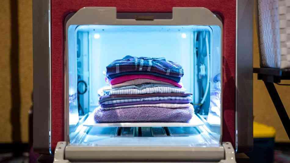 夢の自動洗濯物折りたたみ機「FoldiMate」が登場 - GIGAZINE