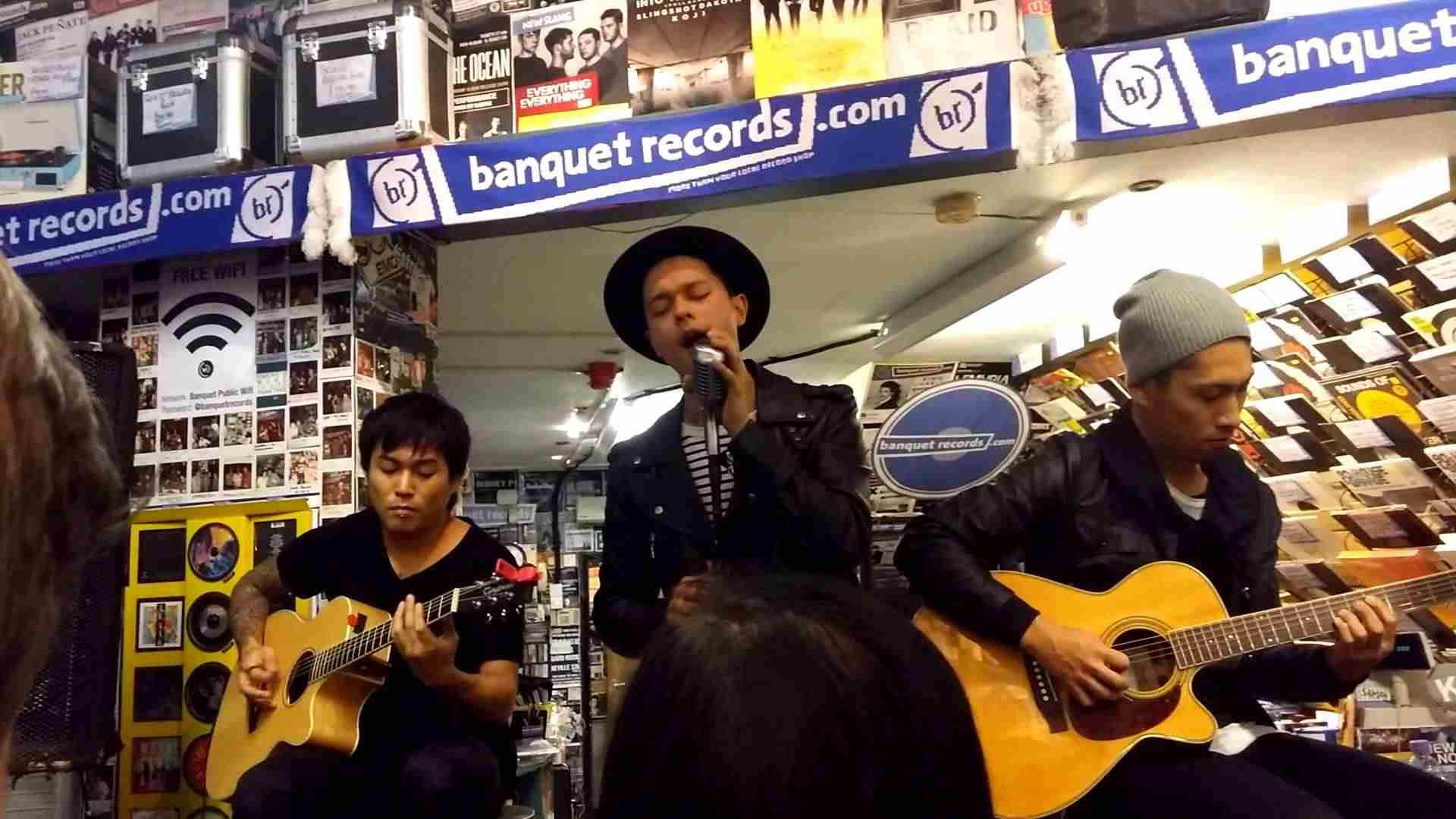 Coldrain's acoustic set in Banquet Records - YouTube