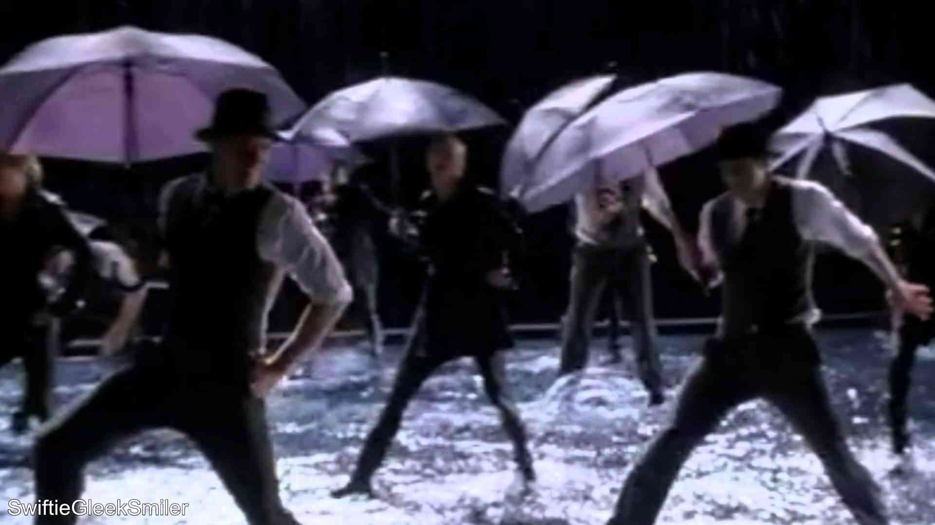 GLEE - Singing In The Rain/Umbrella (Full Performance) (Official Music Video) - YouTube